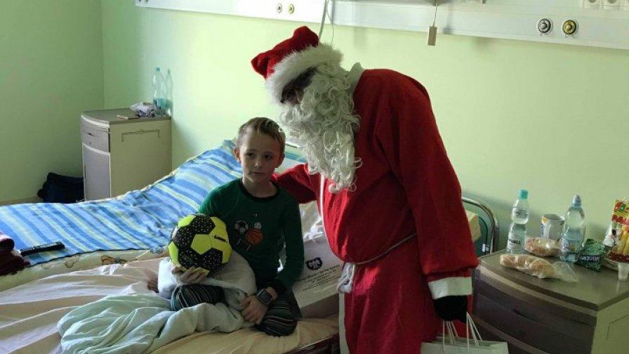 Swięty Mikołaj odwiedził szpital w Opatowie